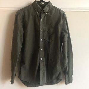 American Eagle olive green shirt. Medium